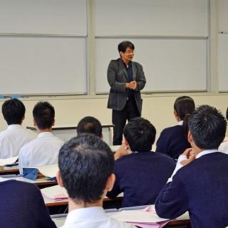 太宰府高校の生徒さんが本学の「大学体験プログラム」に参加されました